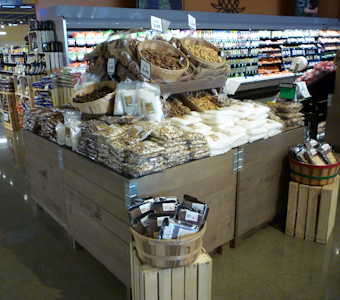 bulk displays and fixtures for grocery stores