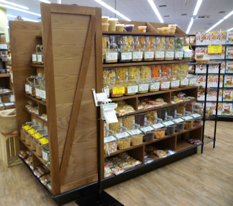 store fixtures and displays for bulk grocery products
